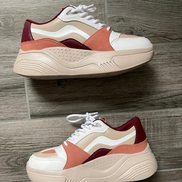 ZARA Platform sneakers)LIKE NEW